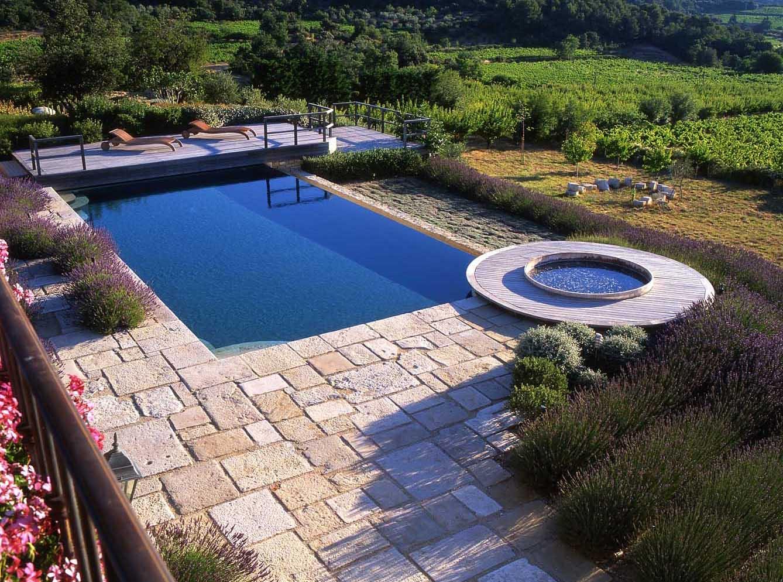 Provence garden jardin on pinterest provence france provence garden and fr - Pool house provencal ...
